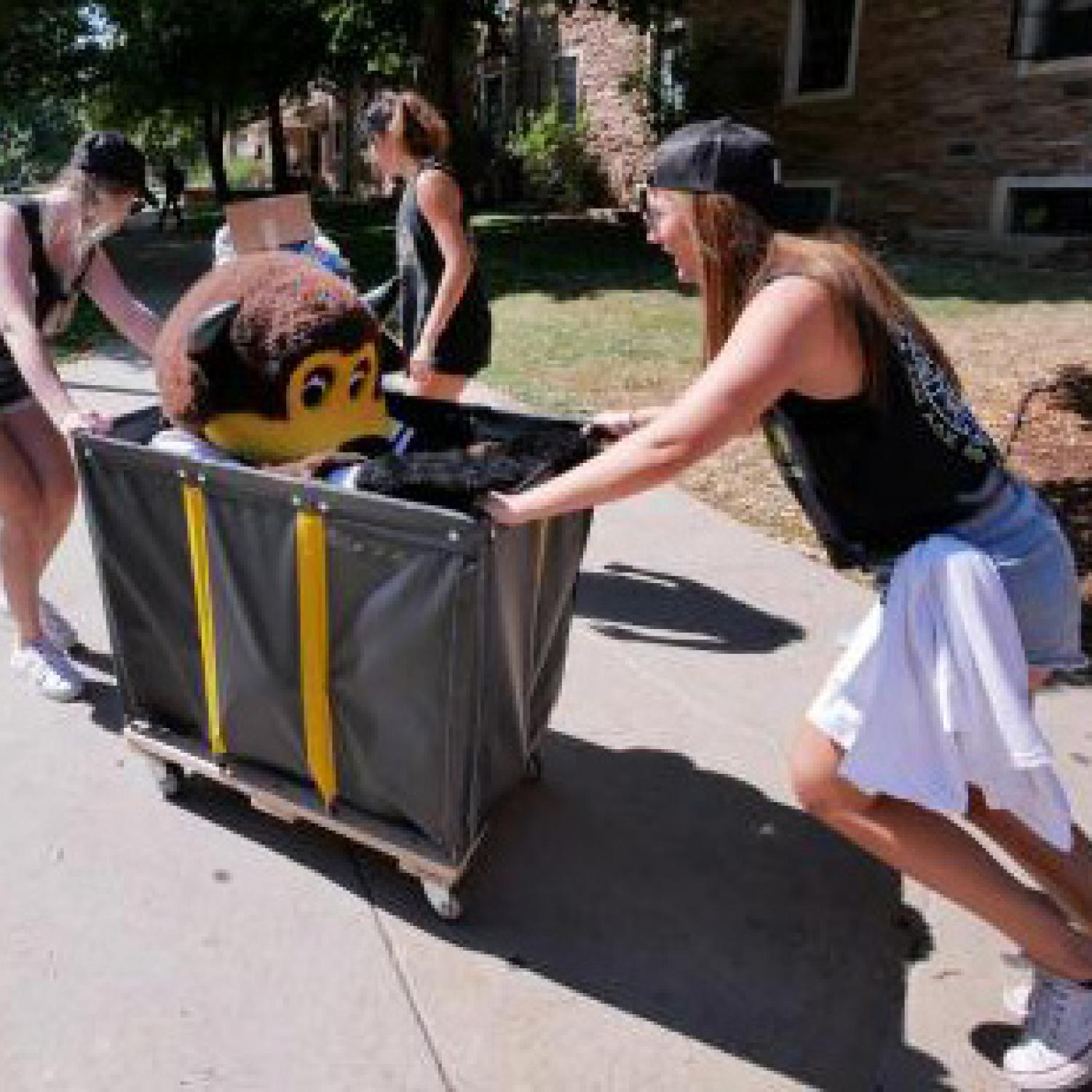 CU Boulder move-in day